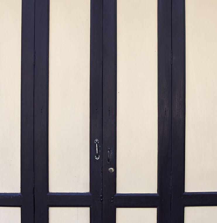 Puertas abatibles Norpa puertas y automatismos