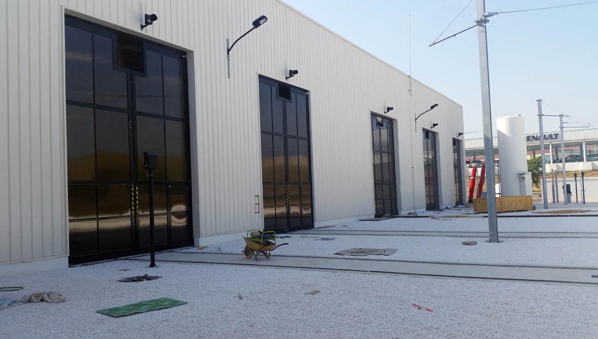 puertas abatibles talleres tranvia de la bahia de cadiz - Norpa Puertas y Automatismos