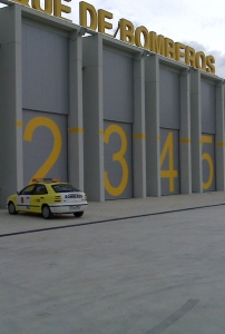 Puertas automáticas para el Parque de Bomberos de Cádiz (2008)
